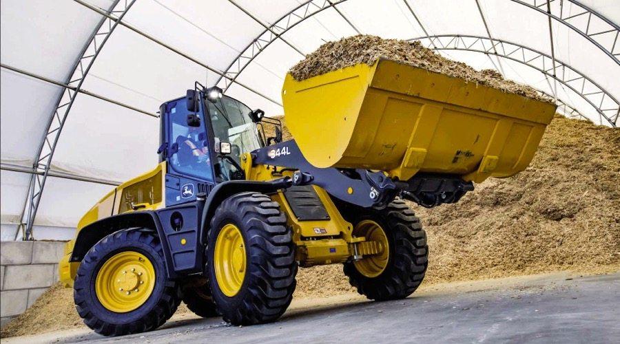 Three new loaders designed for on-farm handling