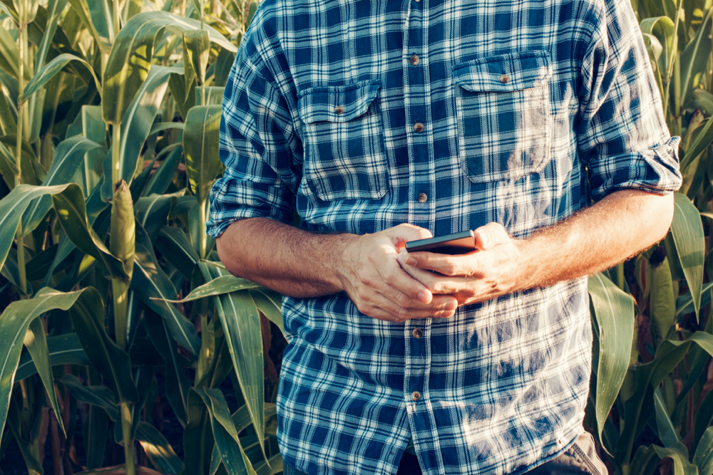 Farmers are using online platforms such as social media to do what they do best: i.e. capitalize on the latest tools and technologies to promote and sell Canadian agriculture.